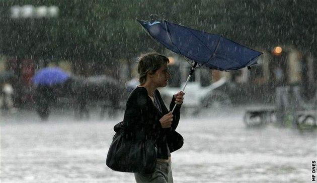 Přichází nový vynález: neviditelný deštník. Jak funguje? 1