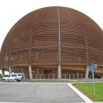 Žena poprvé povede CERN, oznámila objev nové částice