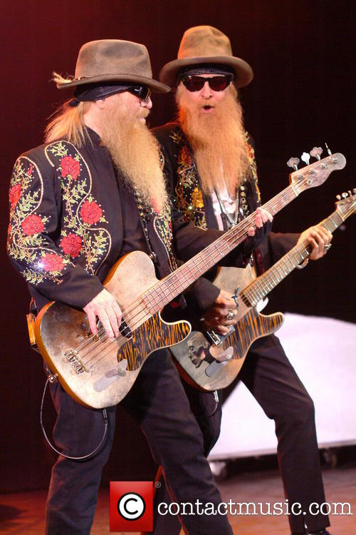 dusty-hill-billy-gibbons-zz-top-performing-live_3733740