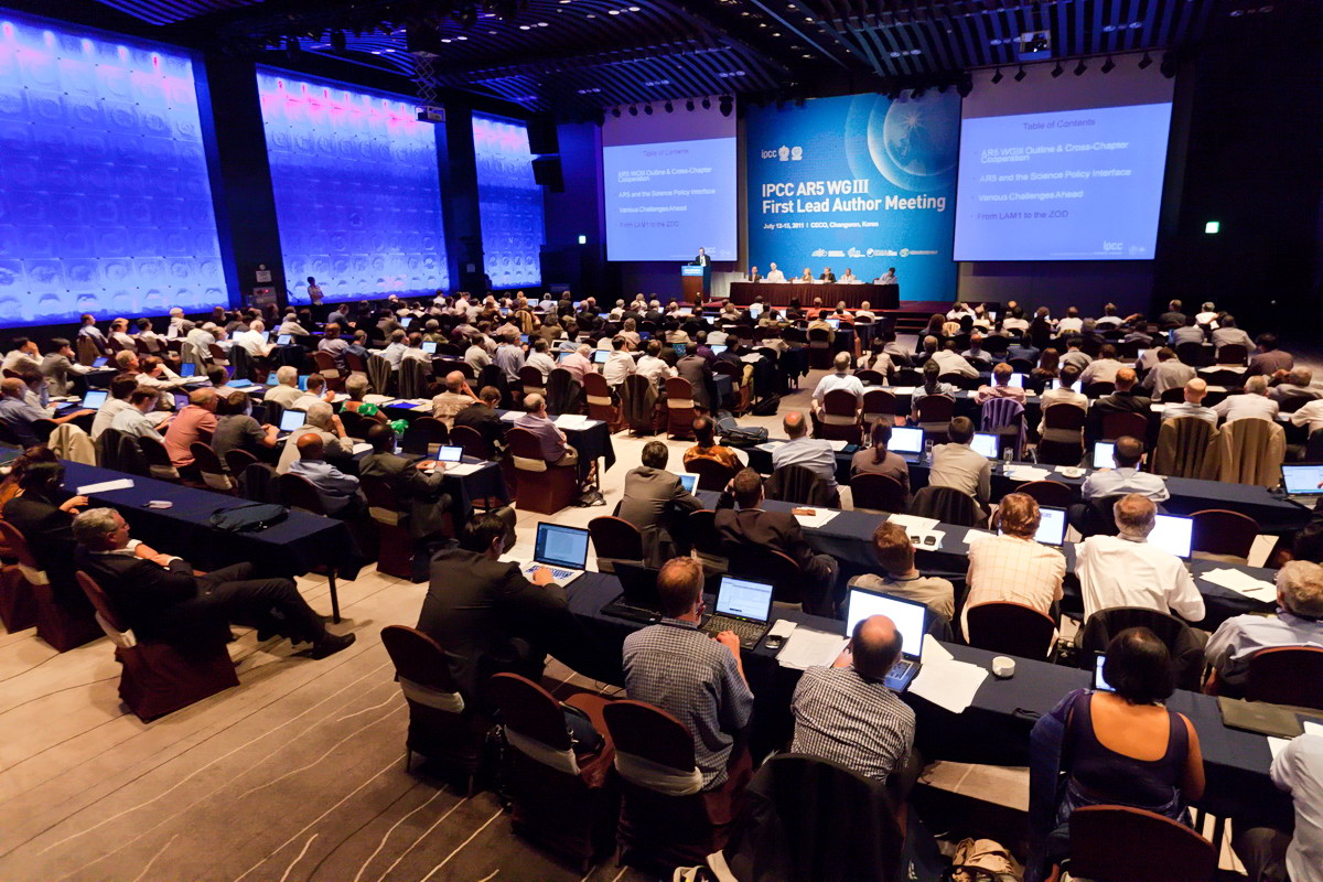 IPCC AR5 WG3 LAM1 Meeting in Changwon City, South Korea, 12.07.2011