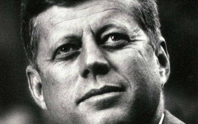 Co všechno může trefit jedna kulka? Pravda o zabití Kennedyho 1