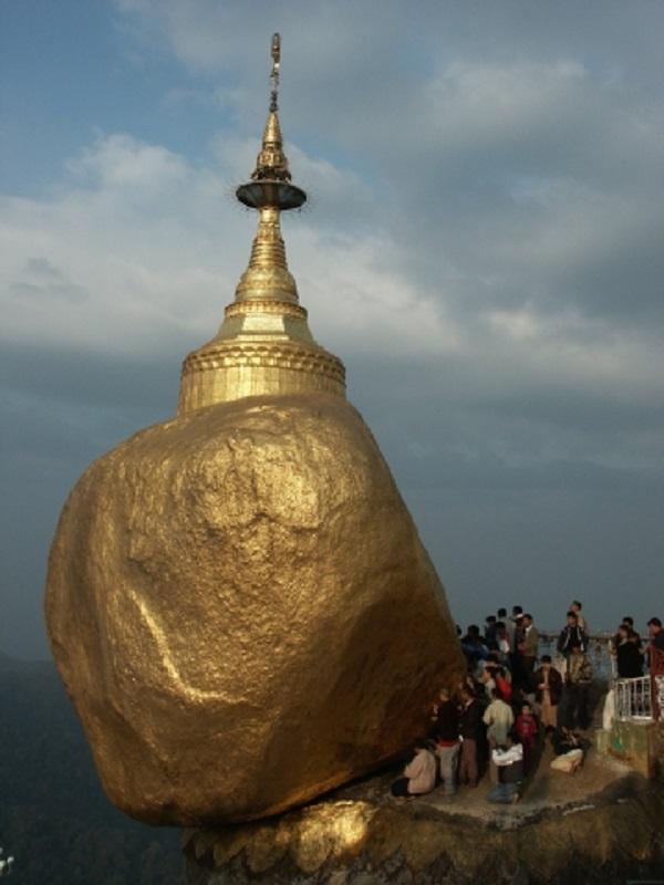 Burma (Myanmar), Kyaiktiyo Pagoda, Golden Rock