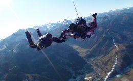 Pád ze 4000 metrů zábavou 2