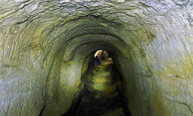 Ukrajinské katakomby: Kriminálníci, nacisté a duchové 1