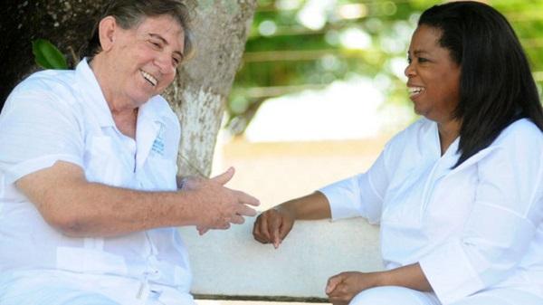 Zázračný léčitel z Brazílie - pomáhají mu skutečně duchové? 1