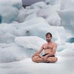 Wim Hof pokořil Everest pouze v šortkách, stal se rekordmanem 7
