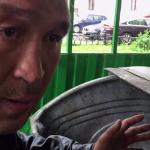 Bezdomovec vydělává díky videím. Jak je to možné?