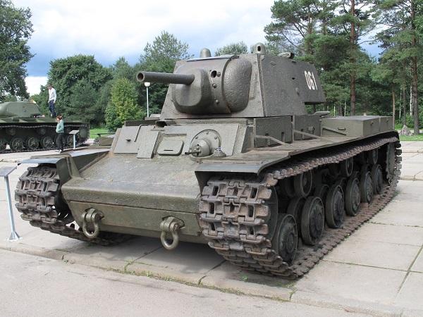 KV-1_Kirovsk