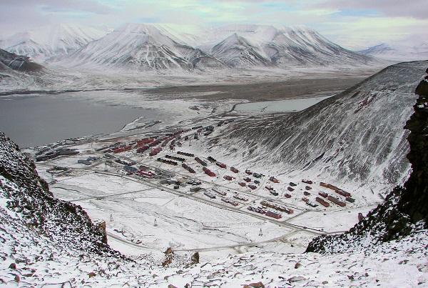Longyearbyen-Adventsfjorden-And-Valley