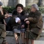 Důchod nepotřebuje! Má sto let a břitvu v ruce!