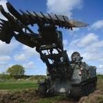 Švýcarský nůž mezi tanky: teriér dokáže téměř vše