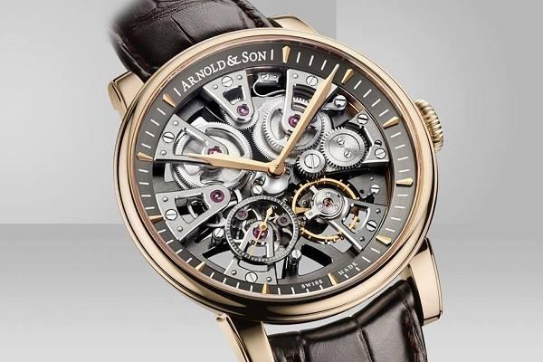 Tehdy švýcarská firma s finančním zázemím japonské firmy Citzen Arnold   Son  v březnu 2015 uvedla super hodinky 771c46139df
