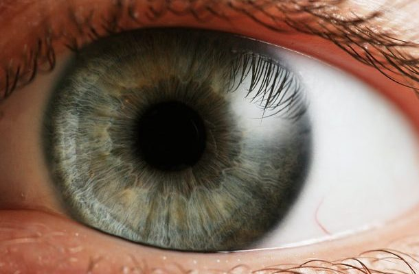 Poraněné oko může zachránit speciální vteřinové lepidlo 1
