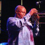 Říkali mu otec jihoafrického jazzu. Zemřel hudebník Hugh Masekela 5