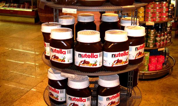 Francouzi se v obchodech bili o levnější Nutellu, musela přijít i policie 1