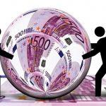 Loni našli v eurozóně a ve světě téměř 700 000 falešných eurobankovek 2