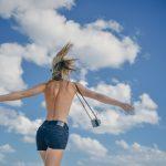 Pouze pro dospělé: Britská agentura nabízí zájezdy pro nudisty i milovníky grupáče
