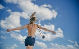 Pouze pro dospělé: Britská agentura nabízí zájezdy pro nudisty i milovníky grupáče 31