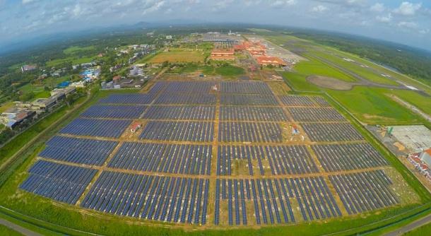 Indie má solární letiště světa 1