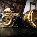 Digitální zrcadlovka Nikon z 24-karátového zlata od společnosti Brikk 2