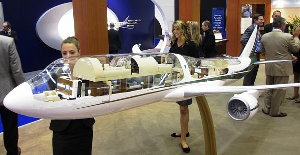Boeing 747 s na míru upraveným interiérem v hodnotě 250 miliónů dolarů 1