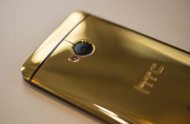 HTC představil luxusní a jedinečný smartfon ze zlata 1