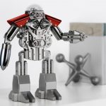 MB & F Melchior: stolní hodiny v podobě robota za 35.000 dolarů 3