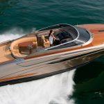 Návrat ke klasice: Riva Rivamare je kompaktní 12-metrová retro jachta