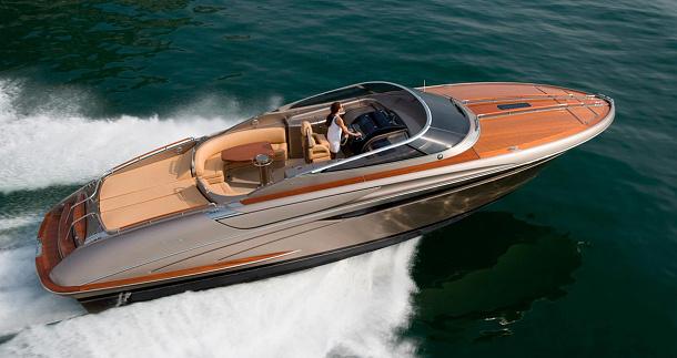 Návrat ke klasice: Riva Rivamare je kompaktní 12-metrová retro jachta 1