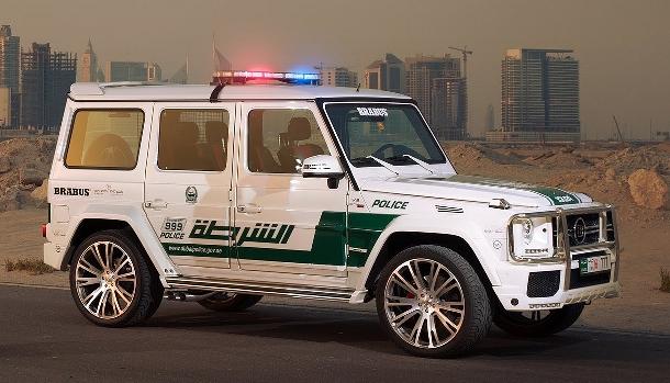 Milovníci vysoké rychlosti vyhněte se městu Dubaj! Před místní policií nikdo neuteče 1