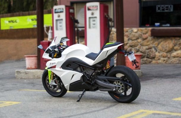 2015 Energica Supersport poháněný elektromotorem 1