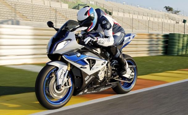 Je BMW HP4 nejlepší sportovní motocykl současnosti? 1