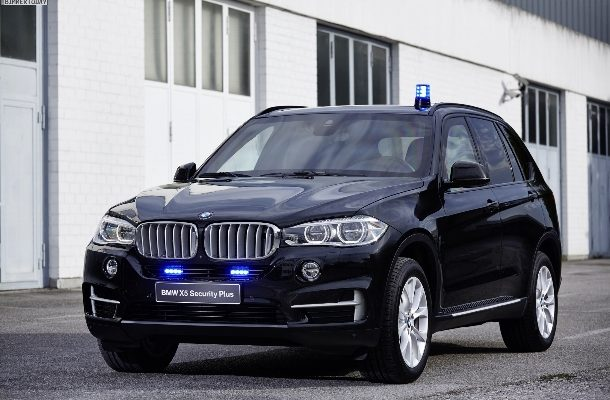 """Chcete se cítit bezpečně? BMW nabízí svou verzi """"atomového krytu"""" 1"""