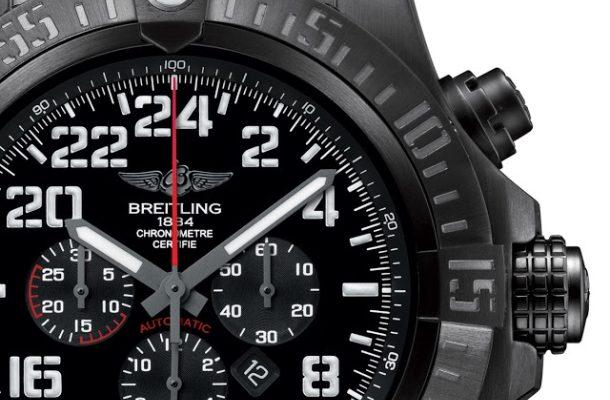 Breitling Super Avenger Military: elitní jednotka s elitní silou 1