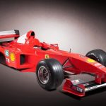 Formule Michaela Schumachera z roku 2001 jde do dražby, podívejte se co by za ní chtěli