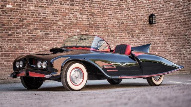 První oficiální Batmobil po 50 letech v zapomnění teď putuje pod kladívko 1