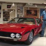 Legendární komik Jay Leno a jeho autopark v hodnotě 50 miliónů dolarů