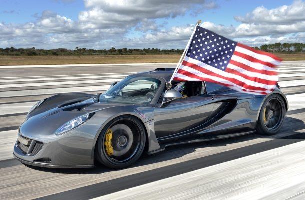 Rekord překonaný! Nejrychlejším sériově vyráběným autem je Hennessey Venom GT 1