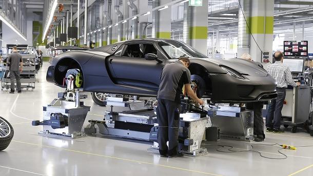 Jak se vyrábí porsche 918, jedno z nejdražších aut světa 1