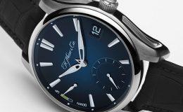 H.Moser & Cie. Pioneer Perpetual Calendar - oblekové hodinky určené na každý den 30