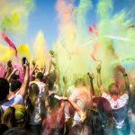 PÁRTY PLNÉ ZÁŽITKŮ – NEJDIVOČEJŠÍ NÁRODNÍ FESTIVALY NA SVĚTĚ