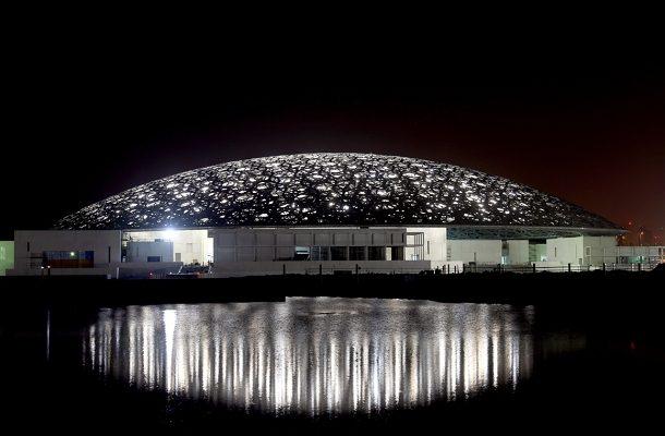 V ABU DHABI OTEVŘELI PRVNÍ UNIVERZÁLNÍ MUZEUM NA SVĚTĚ 1