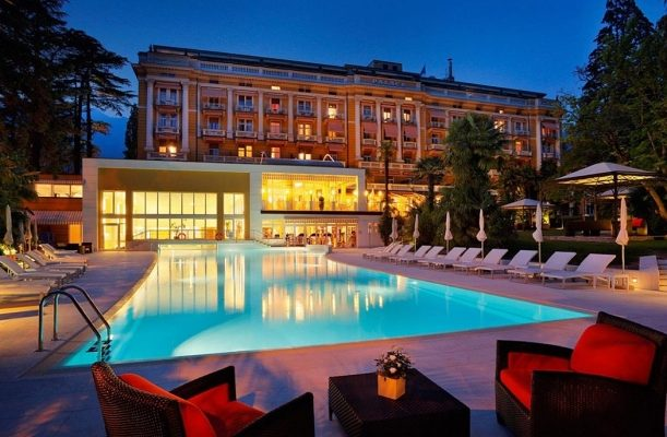 PALACE MERANO: FRANCIE-ITÁLIE WELLNESS DESTINACE PRO VIP HOSTY 1