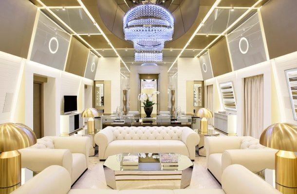 EXCELSIOR HOTEL GALLIA: NEJVĚTŠÍ HOTELOVÝ APARTMÁN V ITÁLII 1