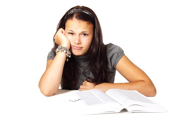 Studujete a neradi píšete práce? Pomoc existuje