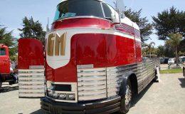Vzácný autobus GM Futurliner 21
