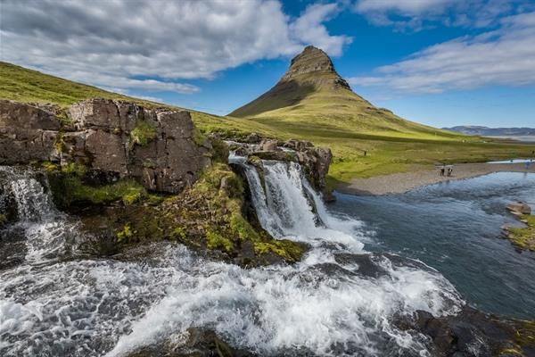 Hora Kirkjufell na Islandu 1