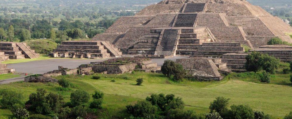 Tajná chodba do podsvětí nalezena v Pyramidě Měsíce v Teotihuacánu 1