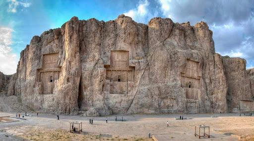 Majestání skalní hrobky achaimenovských králů Persie 1