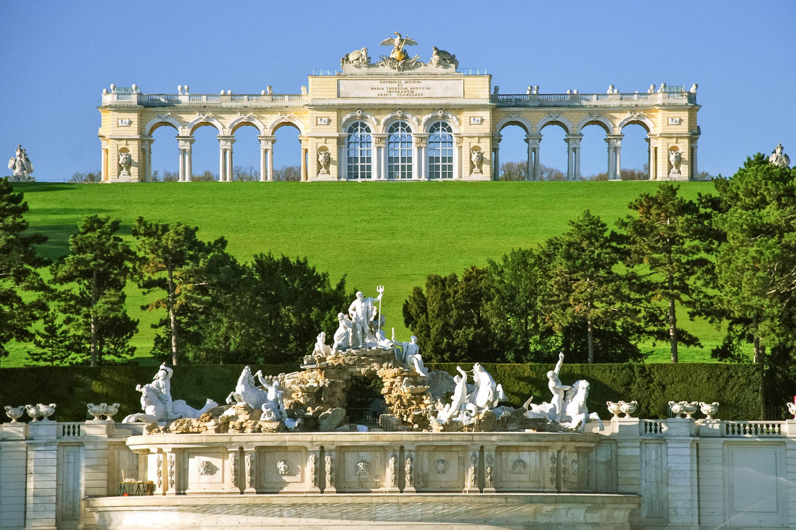 10 nejkrásnějších hradů a paláců v Evropě 3